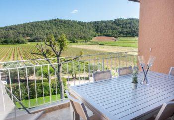 terrasse chambres d'hôtes en Provence au Château Sainte Croix à Carcès