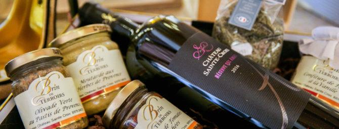 vin de noel et panier garni pour Noël au Château Sainte Croix à Carcès